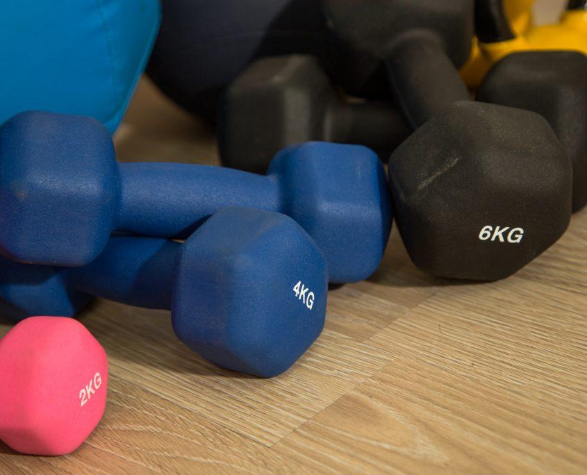 פעילות גופנית לגיל השלישי- משקולות